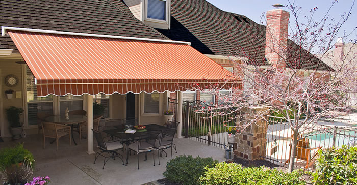 Retractable Dallas Awning