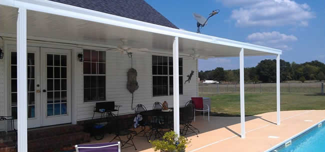 studio roof style patio cover on Dallas Texas home
